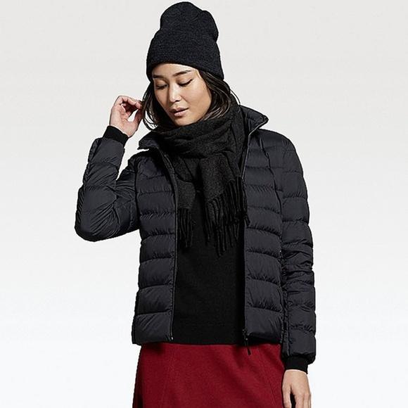 0fbaa1be49e9 Uniqlo Women s ultra light down jacket in black. M 5a4d57cf3800c51d9102c0c1